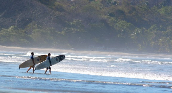 playa-guiones-surfing