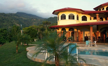 beautiful front view of Yoga Shakti Wellness Center