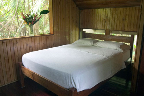 Cabinas with king size bed and large window