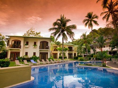 beautiful swimming pool at Hotel Club del Mar Resort and Condominiums Jco