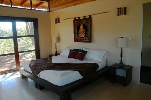 Beautifully decorated room in Ahki retreat
